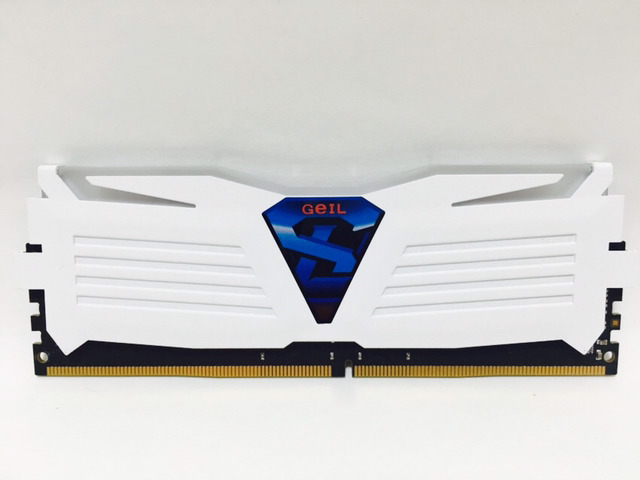 GeIL DDR4 8G PC4-17000 CL15 SUPER LUCE WHITE 화이트.