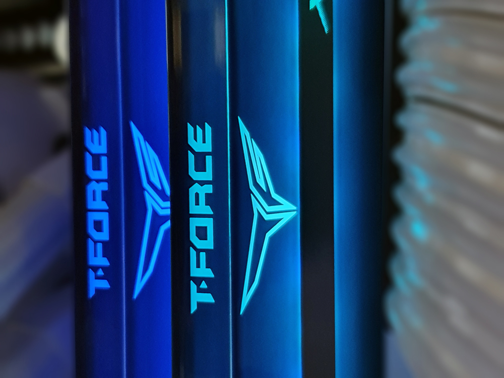 풀 미러 하우징 디자인, TeamGroup T-Force DDR4-3200 CL14 XTREEM ARGB