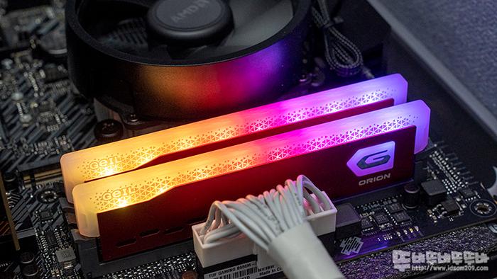 GeIL DDR4-3200 CL22 ORION RGB Red 튜닝 메모리